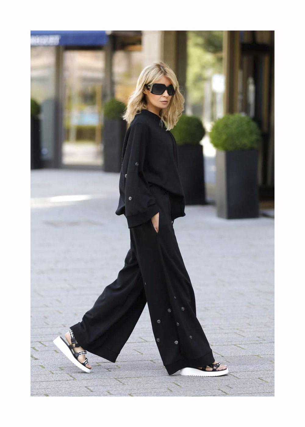 Street Style – Duesseldorf – May 17, 2020