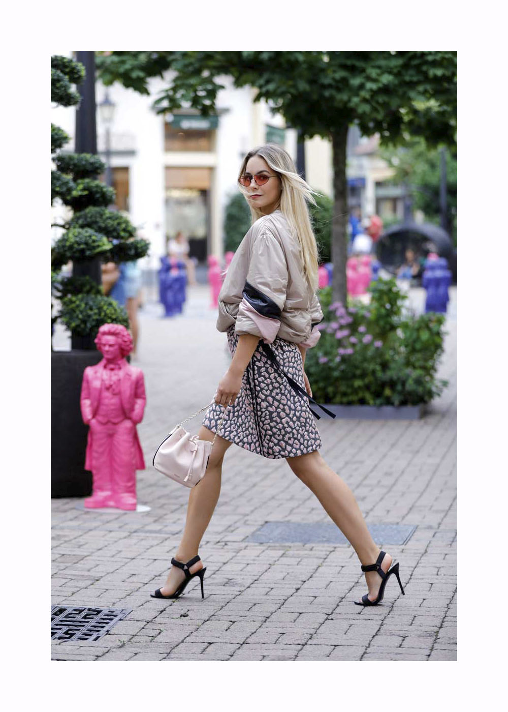 Lara Runarsson Street Style Shooting At Wertheim Village