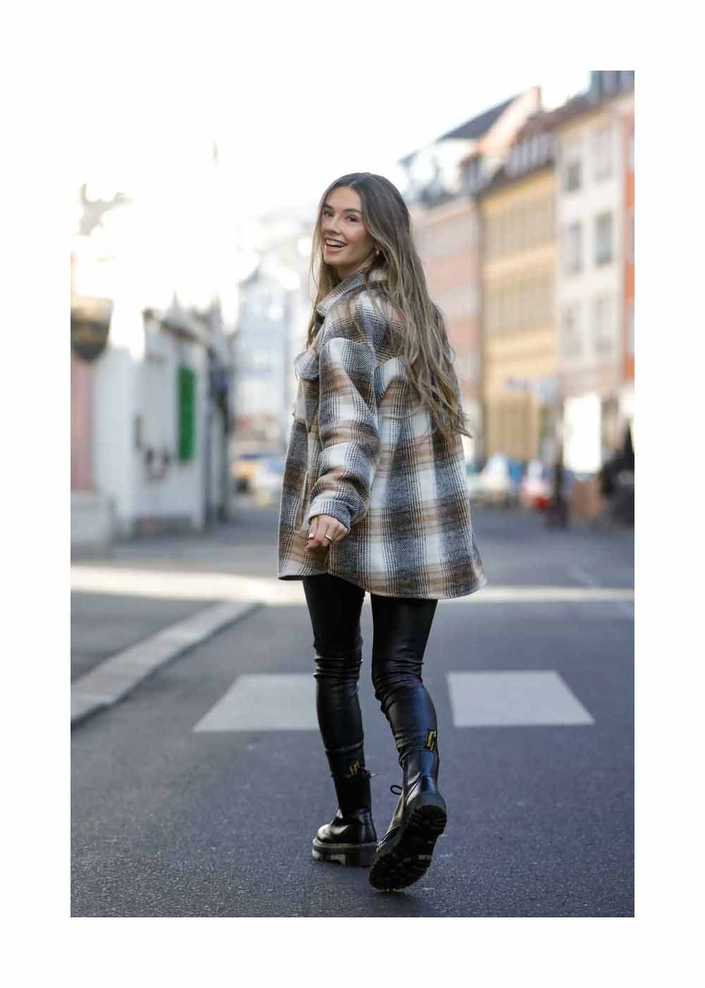 Amelie Weissenberger Street Styleshooting In Wuerzburg