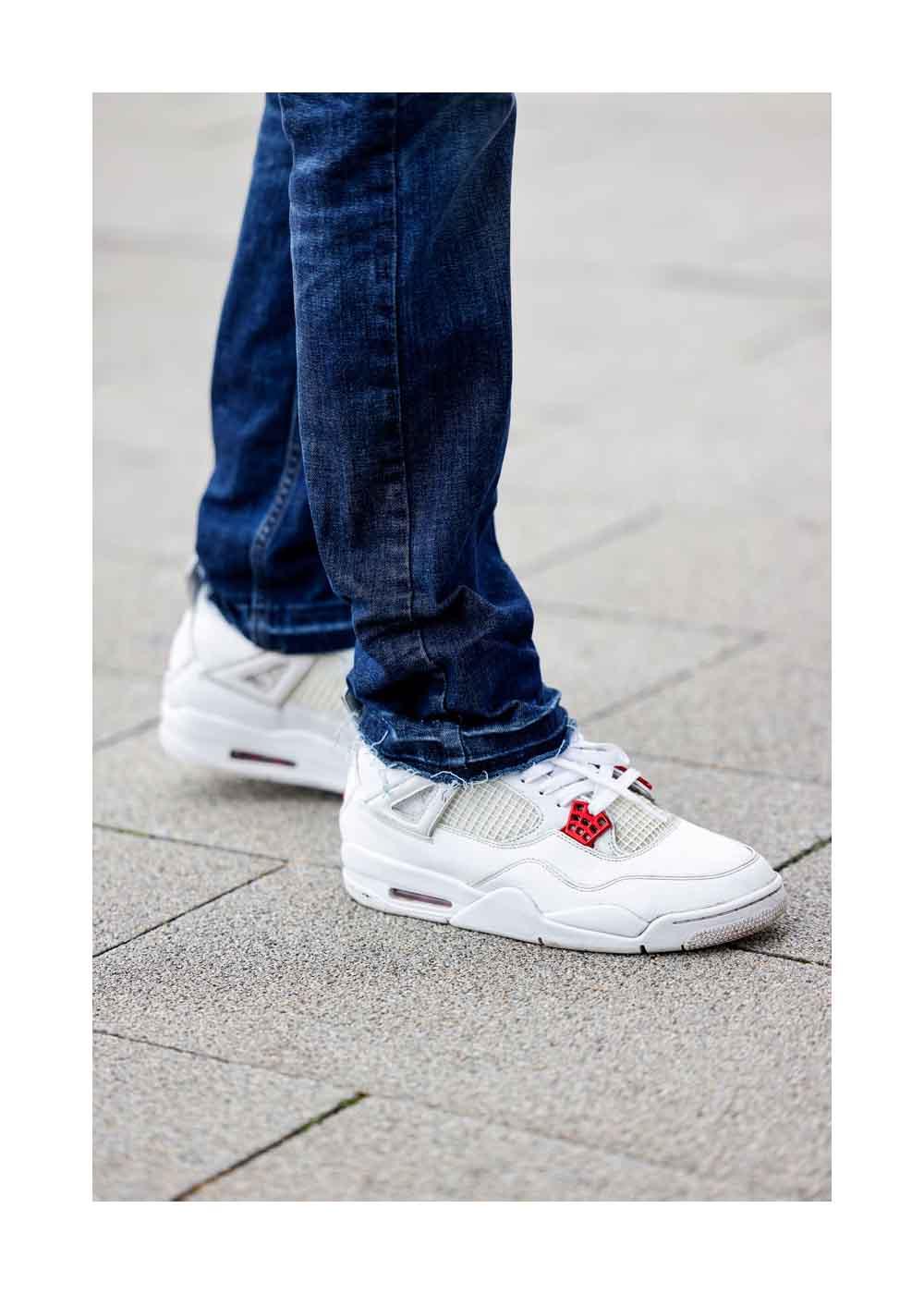 Schuhe als Detail bei einem Street Style Shooting mit San Diego Pooth, dem Sohn von Moderatorin und Werbeikone Verona Pooth